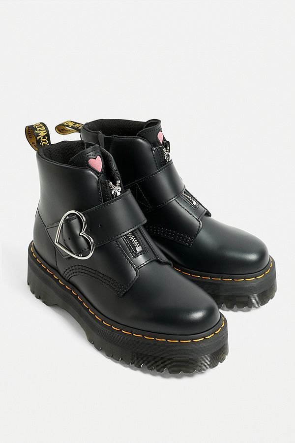 Dr Martens vegan Jadon II 8 eye platform boot in red Rød