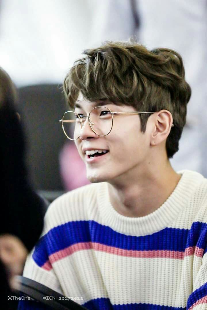 [HQ] 171012 Ong Songwoo at ICN Airport cr.on pic