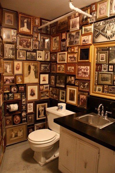 """Om den er så """"great"""" er jeg ikke sikker på, men morsomt og interessant å gå på do er det i alle fall. Great bathroom wall art"""