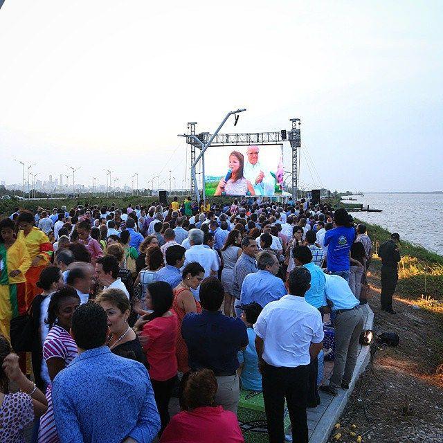 La mejor época de Barranquilla no está en el pasado, la estamos construyendo. El río vuelve a ser nuestro punto de encuentro.  #VolvemosAlRío #Barranquilla