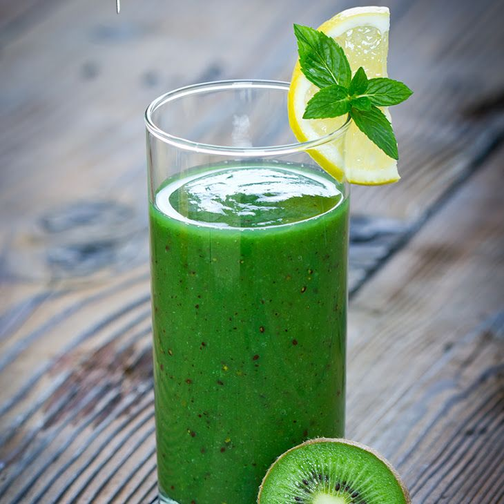 ... kiwi, pineapple, cucumber, spinach, lemon, chia seeds, spirulina