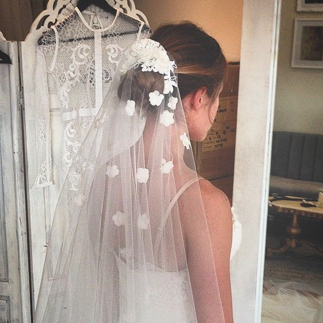 Veil with flowers // So pretty it hurts! Loving the veil we created today! #SantElia