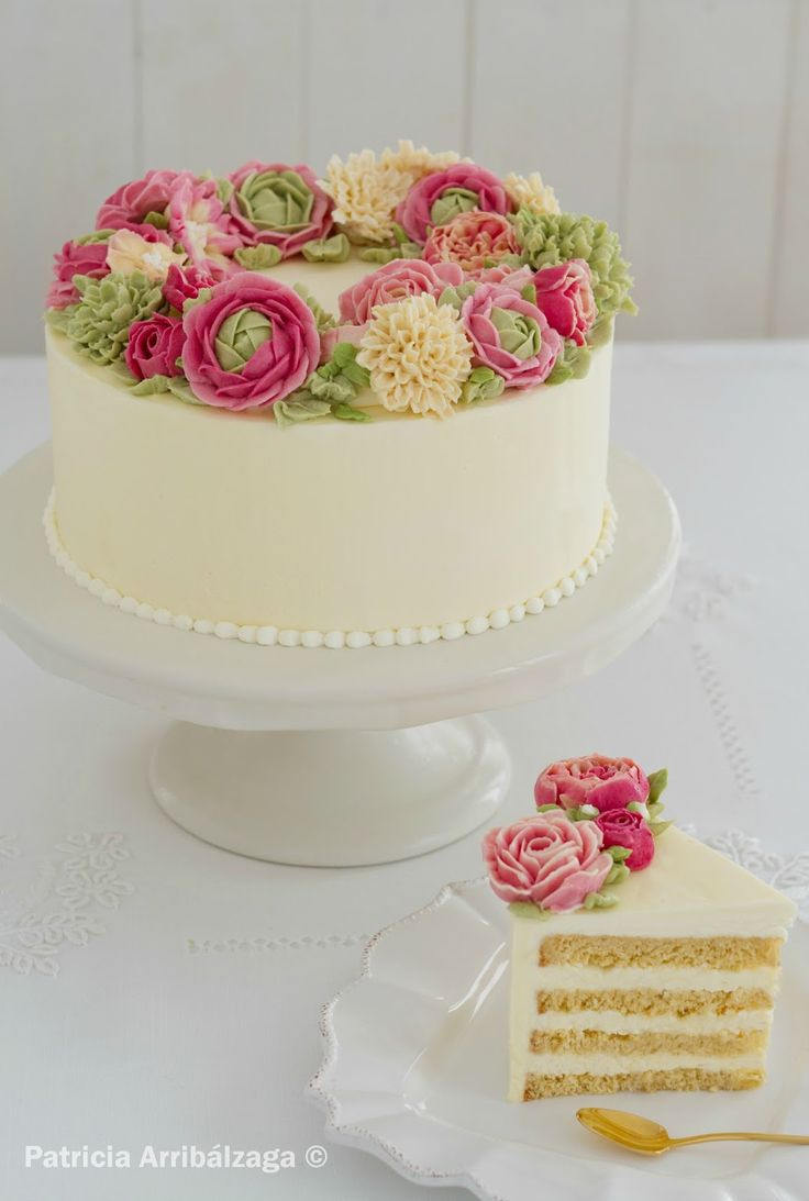 Swiss buttercream cake flowers / Curso online de pasteles y flores de swiss buttercream de Patricia Arribálzaga
