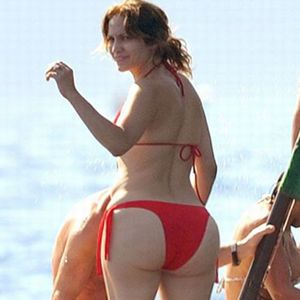 """""""Jennifer Lopez's butt. All the zombies in the world couldn't eat this. Plus, I'll have all the sustenance I need to survive."""" repinned just… 