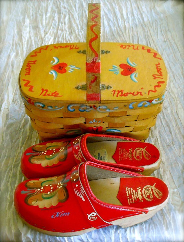Vintage 70s handpainted Danish clogs & basket purse. <3