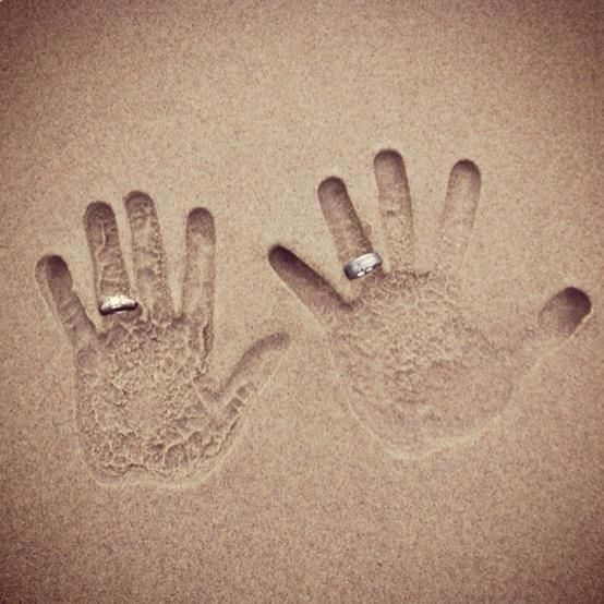 handprint-in-the+sand-love-you-and-me-couple.jpg 554×554 pixels