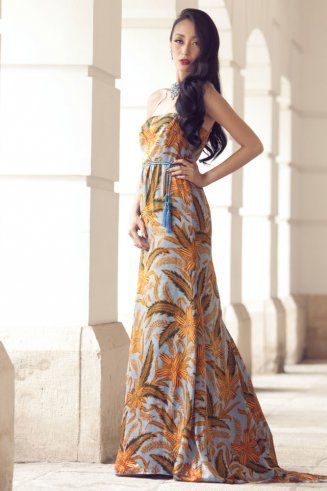 Iwan Tirta batik dress, an effortlessly style