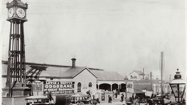 Flinders Street station 1901, with the Water Tower Clock. Australian Railway Historical Society Victorian Division Inc, Archi...