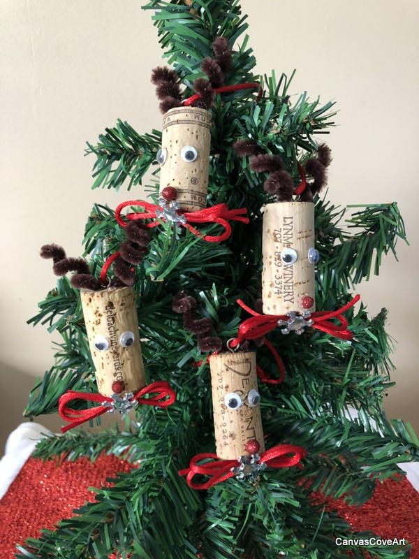 Wine Cork Rudolph the Reindeer Christmas Tree Ornaments Set of 4 Red Bows & Snowflakes Holiday Decor Xmas Gift Tags Wine Bottle Charm R1 by CanvasCoveArt on Etsy