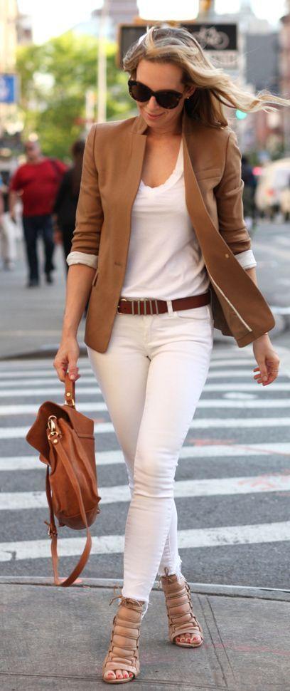 Camel Blazer + Calça e Camiseta Branca