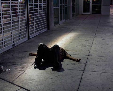 10 fotografías del sueño americano rompiéndose en las calles de Las Vegas Imagenes de humor
