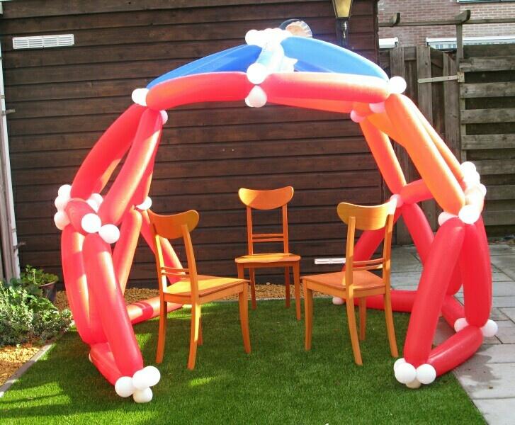 Ballonnen feesttent.www.verpaktelucht.nl