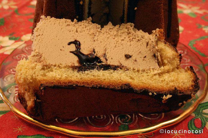 Pandoro ripieno di gelato alla nocciola | Ricetta riciclo pandoro