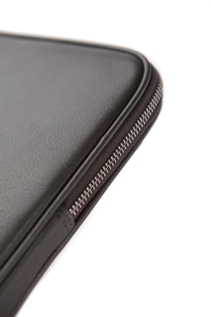 Super classy and elegant sleeve for MacBook Air by dbramante 1928, see mor eof our product range at http://www.dbramante1928.com