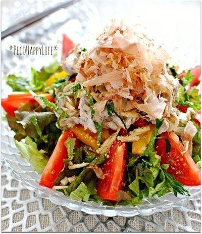 豚しゃぶサラダ』はヘルシーで栄養満点!夏のさっぱりレシピ28選 CAFY ... かつお節と薬味のせで食欲モリモリ豚しゃぶサラダ