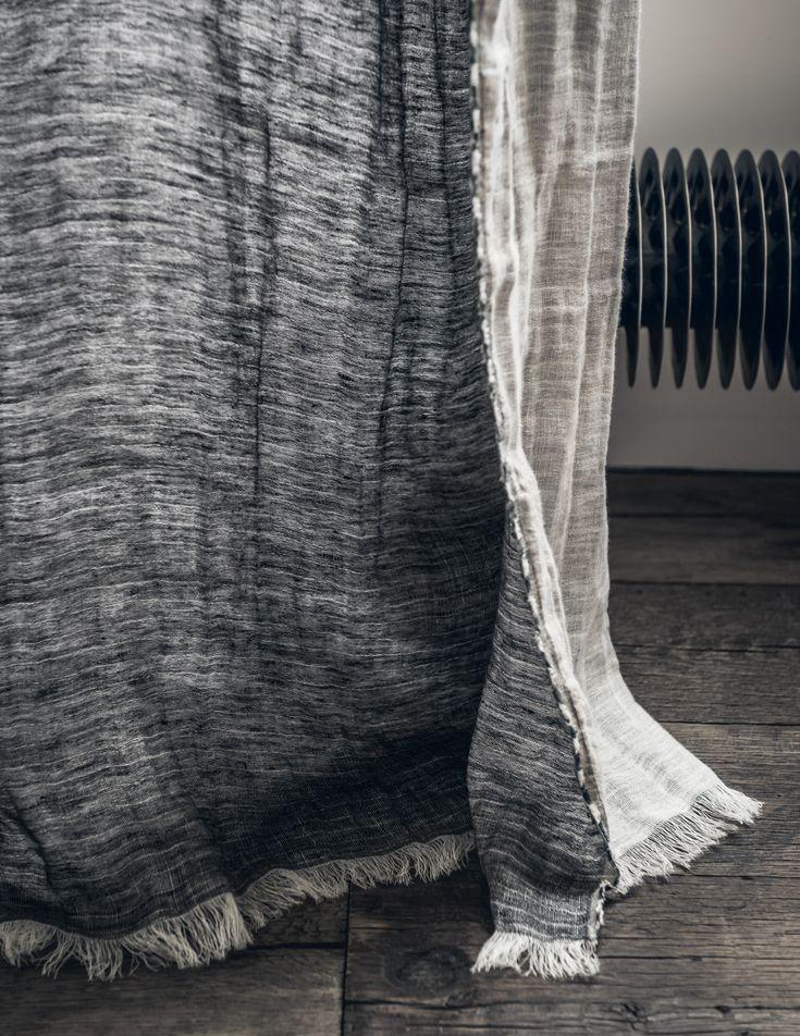 Paola navone architect designer a collection of home for Couleur de rideau avec mur beige