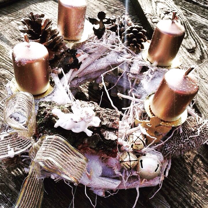 Luxury advent wreath by Bella wood