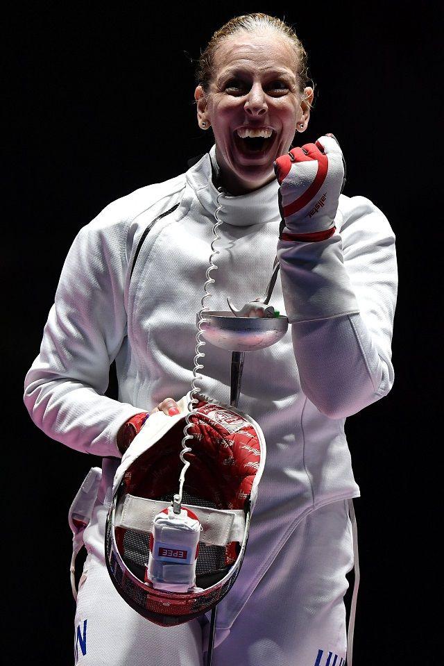 Rio de Janeiro, 2016. augusztus 6. Szász Emese örül, miután gyõzött az olasz Rosella Fiamingo ellen a 2016-os riói nyári olimpia…