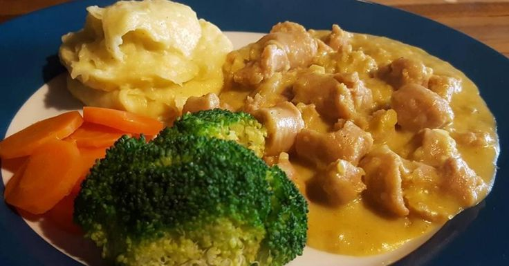 All in One Curried Sausages, Mash & Vegies
