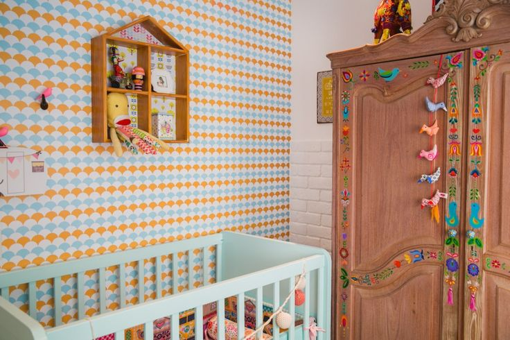 lovely color mix in a vintage style nursery