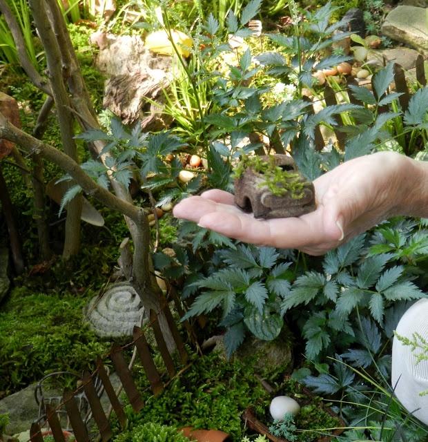 Nice garden and mini gardens ideasGardens Ideas, Gardens Patios Yards, Gardens Paths, Crafts Gardens, Gardens Pets, Gardens I Stuff, Foxes Gardens, Children Gardens, Brigadoon Gardens