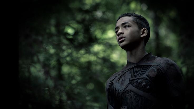 Kitai Raige (interprété par Jaden Smith), 13 ans, a toujours voulu être un soldat comme son père. Aujourd'hui, il en a l'opportunité...