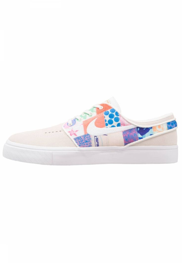 Nike SB. ZOOM STEFAN JANOSKI - Trainers - sail/white/multi-color/metallic gold. Pattern:colourful. Care instructions:treat with a suitable protector before wear. Sole:synthetics. Padding type:Cold padding. Shoe tip:round. Lining:textile. detail:decorative seams. shoe fastener:...