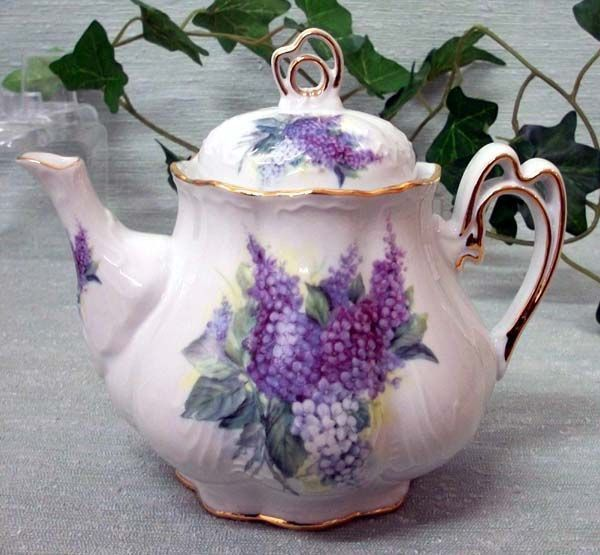 Ashley 5 Cup Hand Decorated Porcelain Teapot - Lilac Bouquet - Hand Decorated Teapots - Roses And Teacups