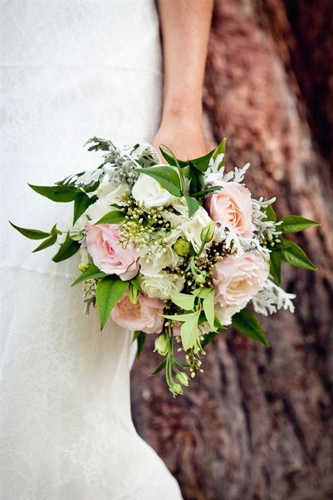 Love the dominant use of green and softened with some pretty pink roses.