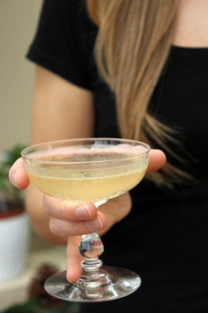 Soupe angevine - spécialité d'Anjou, un cocktail à base de Crémant de Loire et de Cointreau (le Cointreau est une liqueur à base d'écorces d'oranges douces et amères)