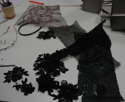 Materiali per la realizzazione di acconciature per cappellini in pizzo macramè - Fashion Design.