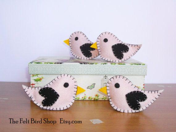 Uccellini di feltro. Set di 4 uccellini di TheFeltBirdShop su Etsy