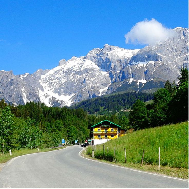 """The region where Hochkönig Bike Hotel Lederer is located, is a paradise for anyone who loves nature and the mountains. There are plenty of marked trails and routes through the area of the """"Hochkönig"""". These trails range from simple cycle paths to difficult routes for uphill and downhill."""