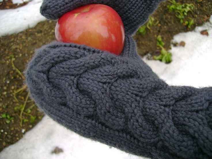 Návod na pletené rukavice s káblovým vzorom