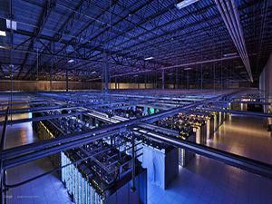 Organizations around the world are choosing from various data center models to maintain 24/7 uptime and service levels for users and customers. A numb…