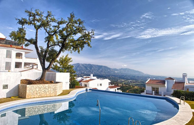 40% reduced apartments with stunning views #costadelsolproperty #propertyspain #marbella #property #costadelsol #spain