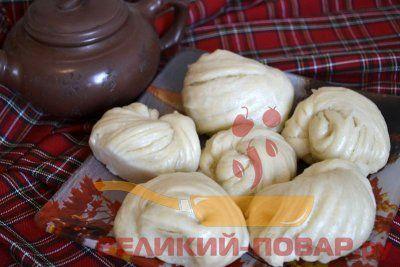 Китайские булочки маньтоу, приготовленные на пару https://www.great-cook.ru/1103-kitayskie-bulochki-mantou-prigotovlennye-na-paru.html  Мне очень хочется побывать в Китае, попробовать китайскую кухню, но пока это неосуществимо. Поэтому, раз уж нет такой возможности, будем готовить китайские блюда сами! Традиционные булочки на пару - это вид китайского хлеба. По традиции такие булочки готовят без начинки, хотя и существуют булочки со сладкой начинкой. Приготовление таких паровых булочек очень…