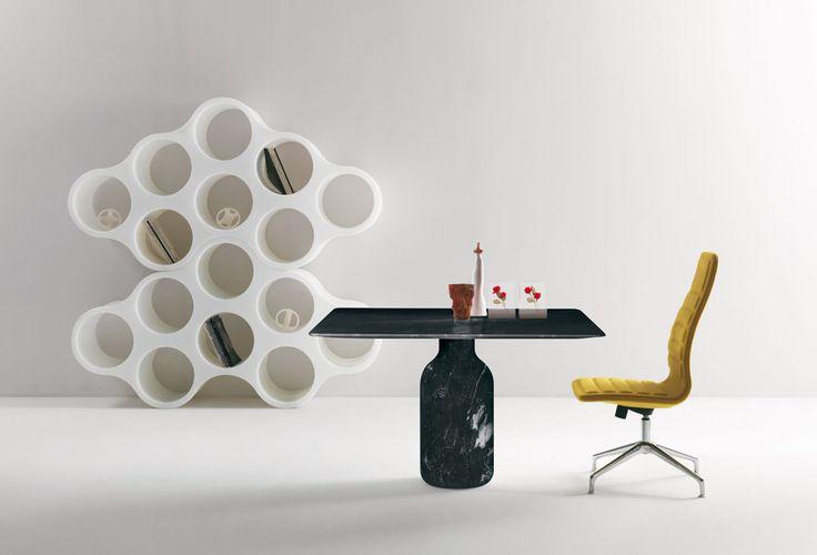 Capellini Tavolo da pranzo| Ambiente moderno e minimale| Progettazione d'interni|  #designminimale #libreria #scrivania  Vedi di piu   http://www.spazidilusso.it/