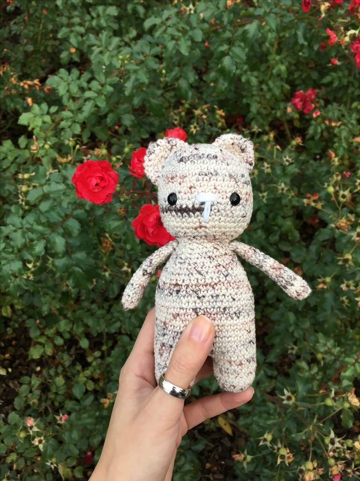 Háčkovaný medvedík  #crochet #bear #flowers #handmade 🐻❤️
