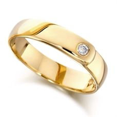 House of Williams 9ct Yellow Gold Ladies 4mm Wedding Ring Set with Single 4pt Diamond