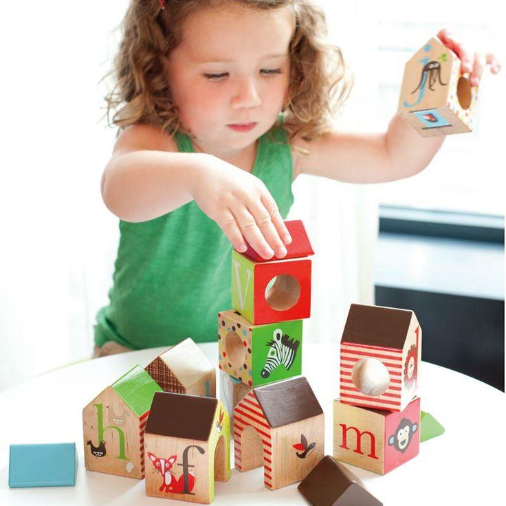 Byggklossar från SkipHop hittar ni tillsammans med deras andra ABC sortiment hos www.barabokstäver.se perfekta presenter till de lite mindre barnen.