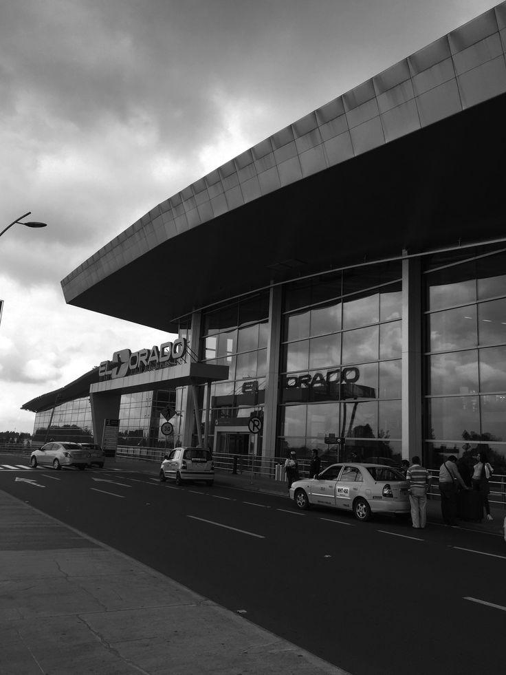 Aeropuerto internacional el dorado - Bogotá, Colombia