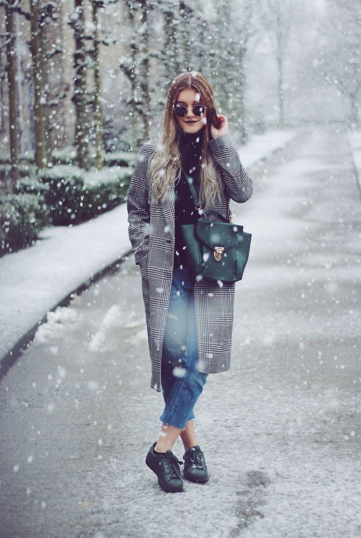 Casual outfit in the snow