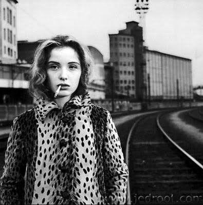 julie delpy: Cigarette, Fur Coats, Paris, Stéphane Coutel, Style, July Delpi, Beautiful, Julie Delpy, Photography