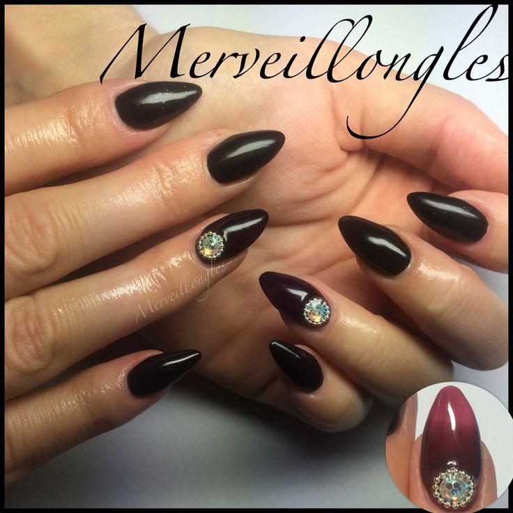 Gel uv thermo et black strass Swarovski pose aux chablons merveillongles  Ongles en gel faux