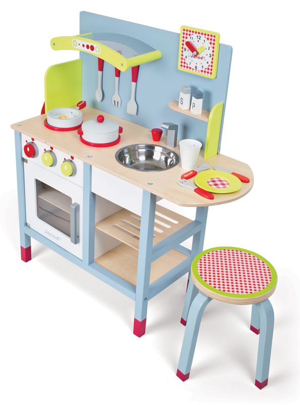 The Janod Picnik Duo Kitchen is a gorgeous wooden pretend play kitchen with a fresh gender neutral design #janod #kitchentoys #christmastoys