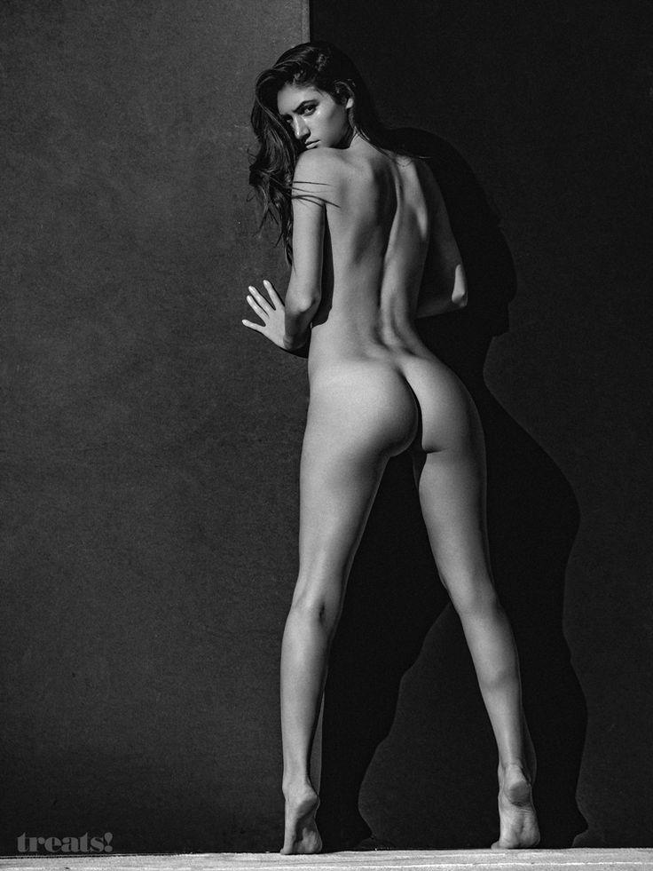 Elizabeth whitmere nudes, bar paly pussy slip