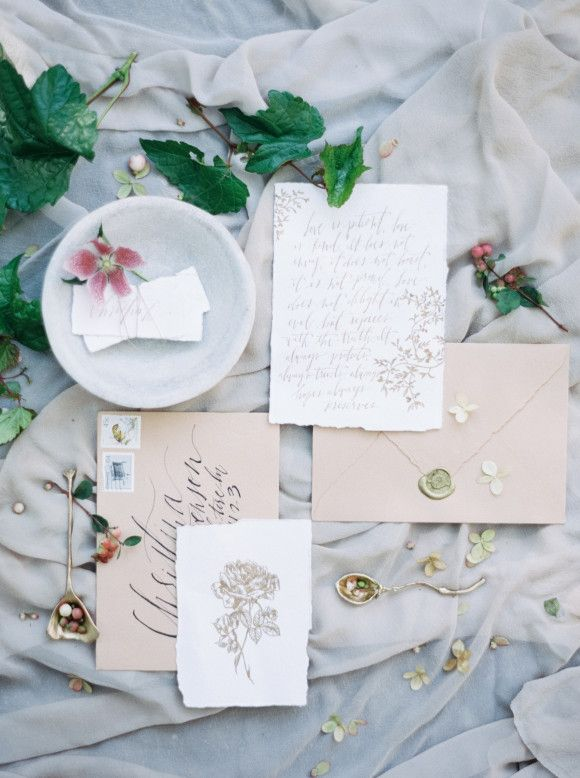 Bridal braid inspiration with a floral crown   Wedding Sparrow   Luna de Mare Photography