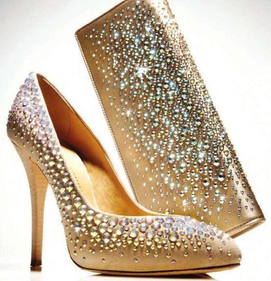 um dos sapatos mais caros do mundo: Handbags Totes Shoes, Fashion, Style, Gold Silver Shoes Bag, Wedding, Pump, Heels, Glitter