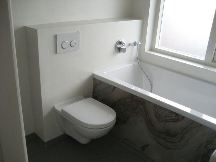 Meer dan 1000 idee n over kleine appartement badkamers op pinterest kleine appartementen - Deco kleine badkamer met bad ...